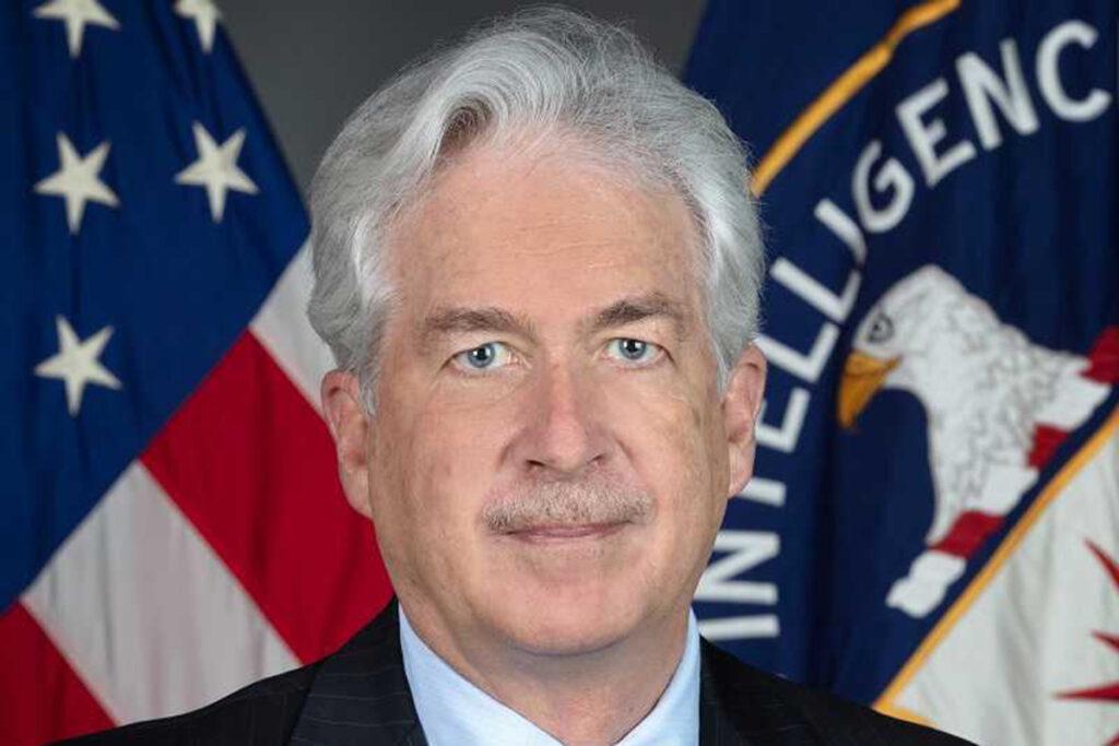 Директор ЦРУ тайно прилетел в Кабул на встречу с лидером талибов - ГлагоL